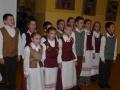 11. Svečius dainomis ir šokiais linksmino mažieji mūsų mokyklos mokiniai...